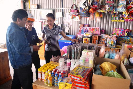 Người tiêu dùng Quảng Nam ngày càng chuộng hàng Việt. Ảnh: N.Q.V