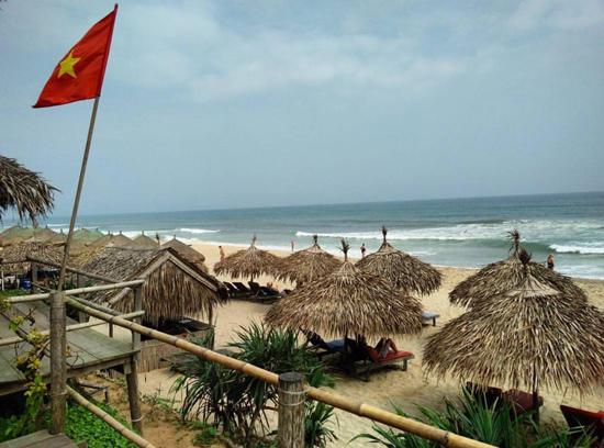 Một góc bãi biển An Bàng. Ảnh: H.N.T