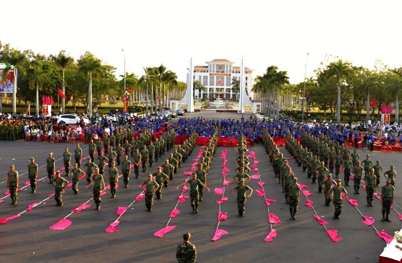 Màn biểu diễn thể hiện sức mạnh, sự bền bỉ của các chiến sĩ