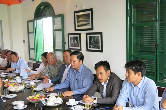 """Các cuộc tiếp xúc doanh nghiệp của lãnh đạo UBND tỉnh qua hoạt động """"cà phê doanh nhân"""" cũng là cách để cải thiện môi trường đầu tư.Ảnh: TRỊNH DŨNG"""