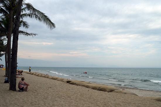 Có 2 lý do khiến bờ biển Cửa Đại bồi tụ cát