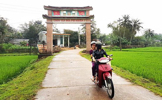 Đường làng Phú Nhuận hôm nay.Ảnh: CÔNG  NGUYÊN