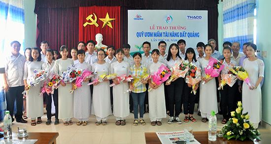 Quỹ Ươm mầm tài năng của Báo Quảng Nam góp phần tôn vinh các em học sinh, sinh viên học tập và nghiên cứu xuất sắc trên các lĩnh vực.
