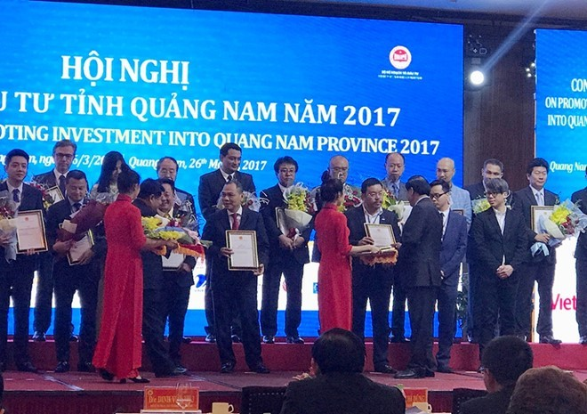 Chairman of the Board of Directors - General Director of Dat Xanh Corporation received the decision on investment policy for the development of the South Hoi An tourist service area.