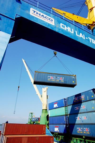 """Thaco đưa ra chiến lược đầu tư """"dài hơi"""" tại Chu Lai. TRONG ẢNH: Cảng Chu Lai - Trường Hải. Ảnh: PHƯƠNG THẢO"""