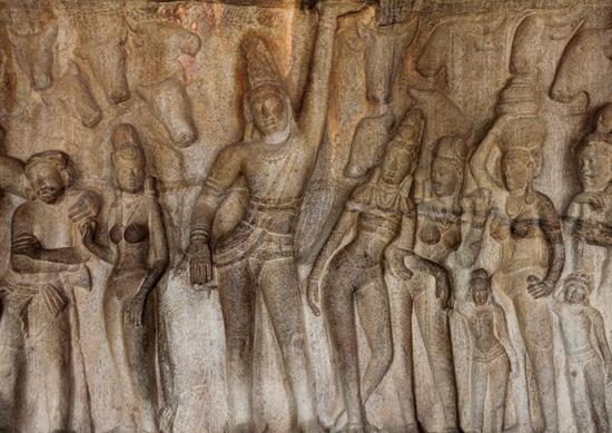 Phù điêu thần Krishna - Govardhana của ngôi đền Mahabalipuram, thế kỷ thứ 7, tại Nam Ấn Độ. Ảnh: Trần Kỳ Phương