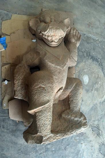 Tượng con vật được cho là sư tử được phát hiện tại nhóm tháp K Mỹ Sơn
