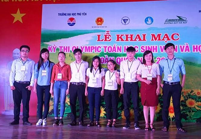 Sinh viên - học sinh Quảng Nam tham gia cuộc thi.