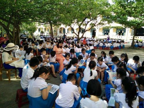 Trường Tiểu học Trần Quốc Toản tổ chức Ngày  sách Việt Nam.