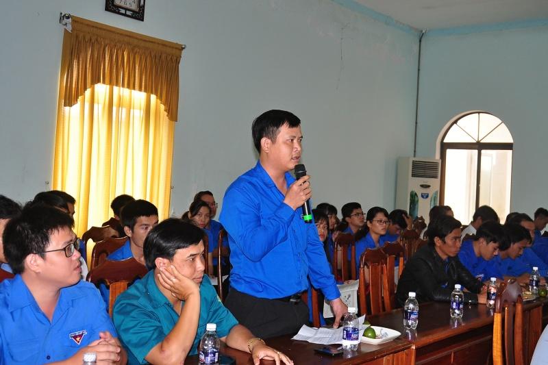 Bí thư Đoàn phường Tân Thạnh - Phạm Nguyễn Hồng Châu phát biểu. Ảnh: VINH ANH
