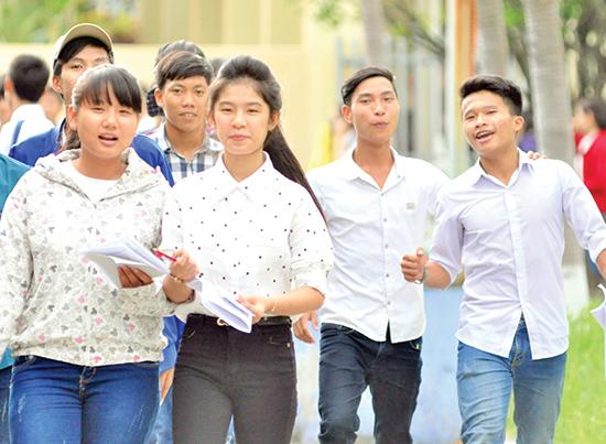 Kỳ thi THPT quốc gia năm 2017, thí sinh có thể được thi ngay tại trường THPT mà mình đang theo học.Ảnh: X.PHÚ