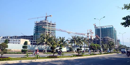 Dự án Sunrise Bay Đà Nẵng - dự án lấn biển lớn nhất miền Trung với tổng kinh phí 300 triệu USD đã khởi động trở lại.Ảnh: VĂN SANH