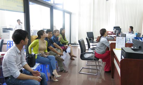Trung tâm Hành chính công và xúc tiến đầu tư Quảng Nam trở thành địa chỉ tin cậy để người dân và doanh nghiệp đến giao dịch.Ảnh: T.DŨNG