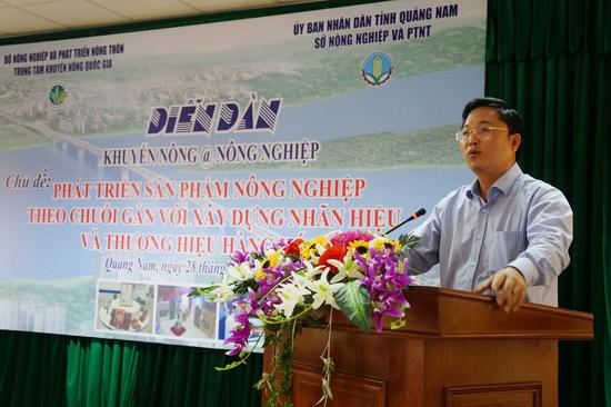 Phó Chủ tịch UBND tỉnh Lê Trí Thanh phát biểu tại diễn đàn khuyến nông và nông nghiệp tổ chức tại Hội An.Ảnh: TRẪN HỮU