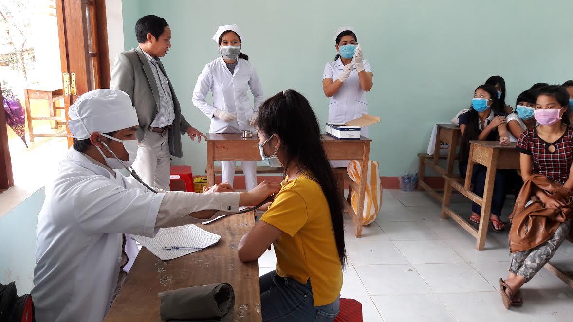 Vào tháng 1.2016, ở Tây Giang cũng đã có trường hợp tử vong do  bệnh bạch hầu. Dù đã tiêu trùng, khử độc, tiêm phòng nhưng đến nay vẫn có người  bị nghi nhiễm căn bệnh này.