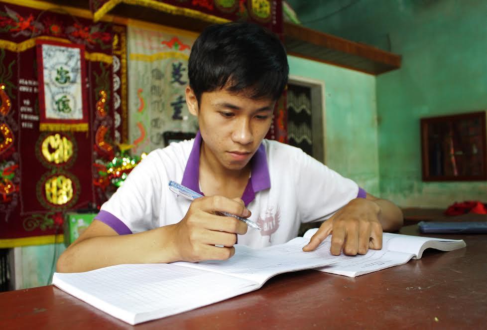 Em Trần Văn Chính – học sinh lớp 9/1 của Trường THCS Nguyễn Bỉnh Khiêm (Duy Vinh, Duy Xuyên)