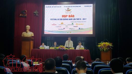 Deputy Minister Huynh Van Ai speaking at the conference
