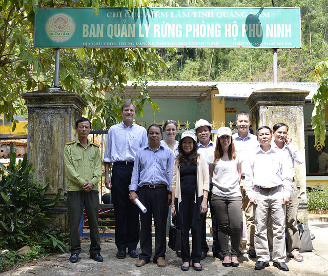 Gloria Steele, USAID Deputy Director for Asia, with the forest management board in Phu Ninh, Quang Nam  (Source: https://www.usaid.gov/)
