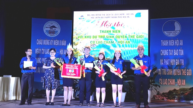 Đội Bài chòi đạt giải nhất tại hội thi. Ảnh: M.L