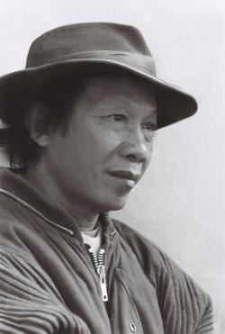 Nhà thơ Thu Bồn.