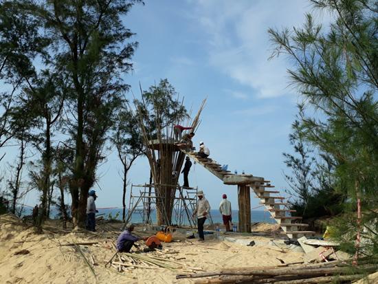 Đài quan sát biển Tam Thanh được đầu tư xây dựng phục vụ dịp festival. Ảnh: TƯỜNG QUÂN