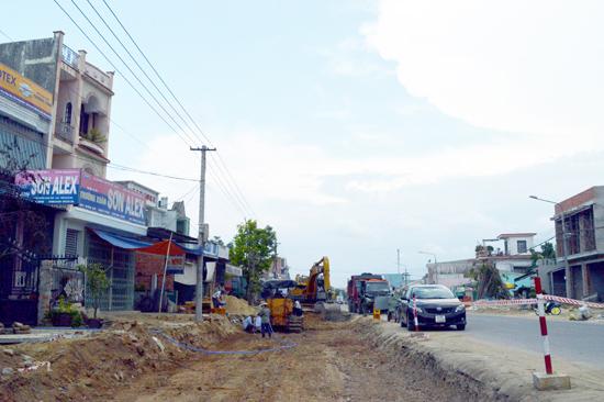 Điện Bàn đang xúc tiến hoàn thiện hạ tầng, giao thông nhằm hoàn thiện bộ mặt đô thị. Ảnh: VĨNH LỘC