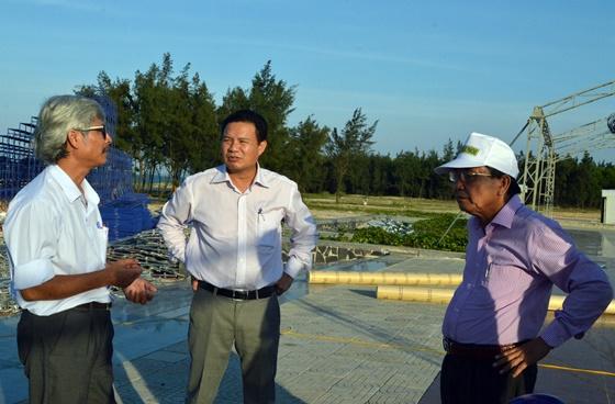 Phó Chủ tịch UBND tỉnh Lê Văn Thanh kiểm tra công tác chuẩn bị đêm khai mạc Festival di sản tại Tam Thanh