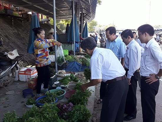 Khu bán rau củ quả vùng nông thôn Tiên Phước.