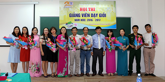 """Tổ chức hội thi """"Giảng viên dạy giỏi"""" là một trong những giải pháp nâng cao chất lượng đào tạo của Trường Đại học Quảng Nam. Ảnh: ĐHQN"""