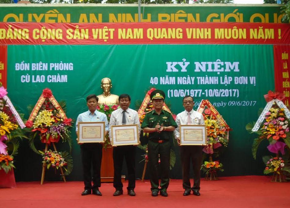 Các cá nhân được trao tặng kỷ niệm chương Vì Chủ quyền An ninh biên giới Tổ quốc.