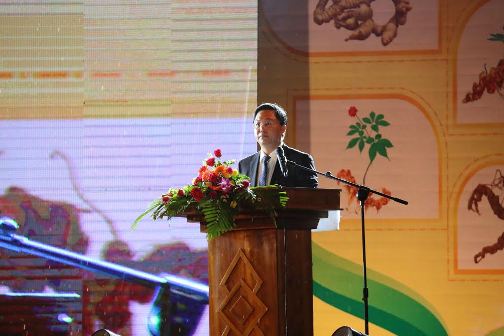 Phó chủ tịch UBND tỉnh Lê Trí Thanh phát biểu tại buổi lễ.
