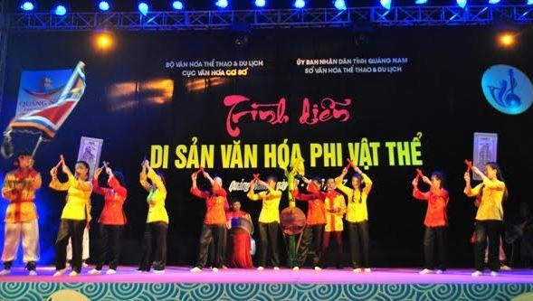 Tiết mục hô hát bài chòi của đơn vị Tam Thanh, thành phố Tam Kỳ