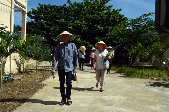 Tourists at Triem Tay village