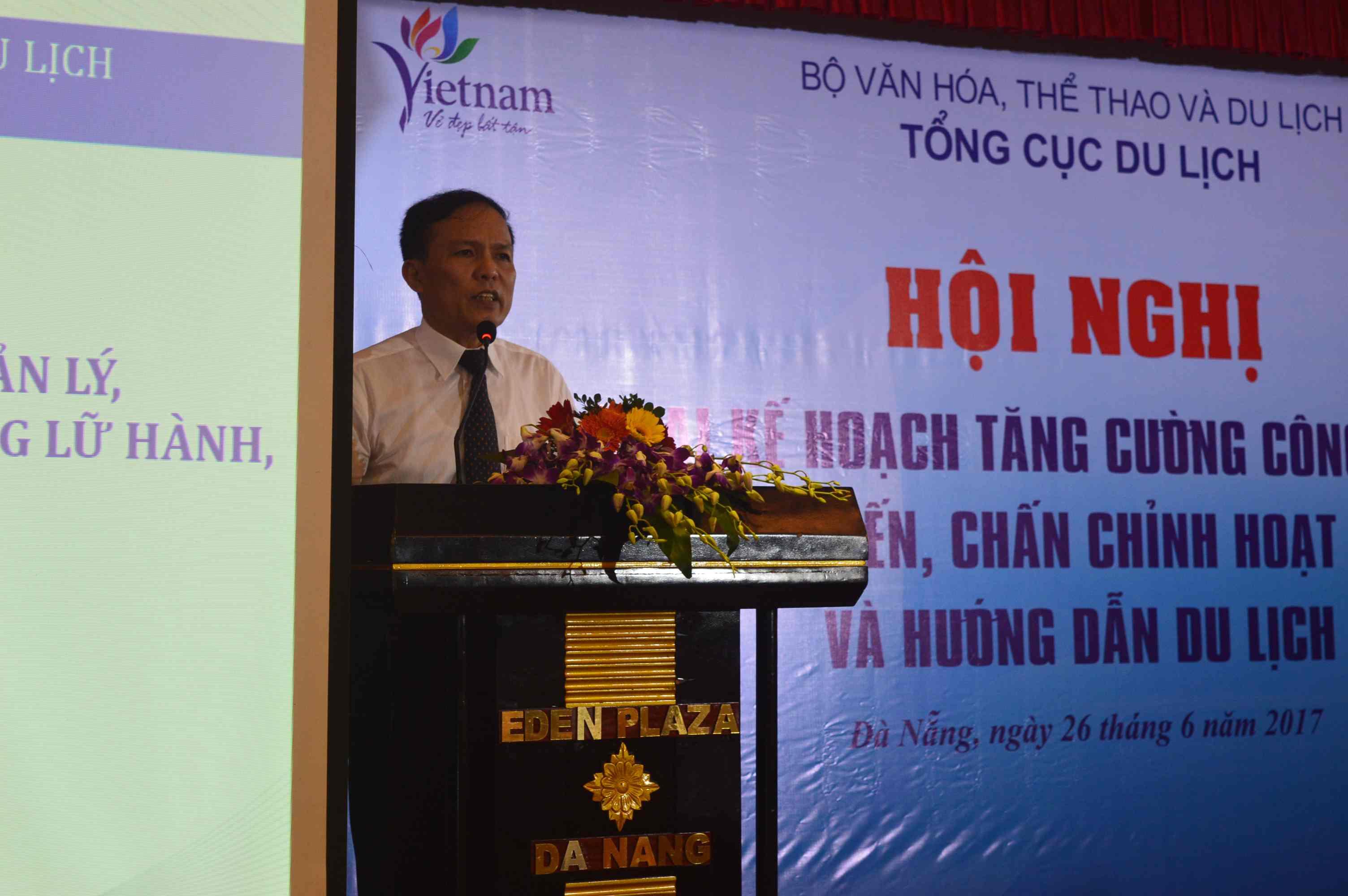Tổng cục Phó Tổng cục Du lịch - Ngô Hoài Chung phát biểu tại hội nghị. Ảnh: Q.T