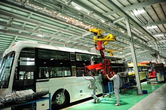 Thaco - Trường Hải chuẩn bị đưa nhà máy sản xuất xe bus cao cấp, chuyên dụng có công suất 1.000 xe/năm vào hoạt động. . Ảnh: MINH HẢI