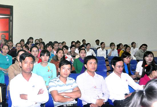 Các thí sinh tại kỳ thi viên chức giáo dục vừa qua.Ảnh: XUÂN PHÚ
