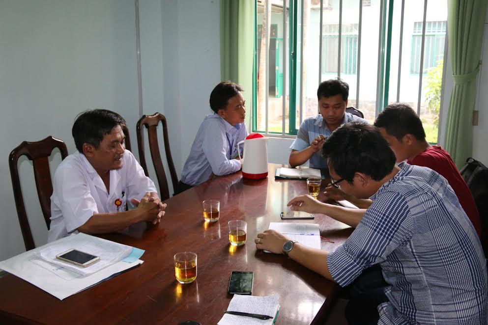 Bác sĩ Nguyễn Đình Thoại trao đổi với PV về vụ việc.