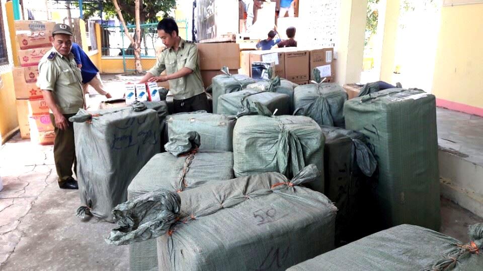 Chi cục Quản lý thị trường Quảng Nam xử lý hàng hóa không có hóa đơn, chứng từ trên địa bàn Quảng Nam.