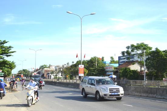 Kể từ khi KCN Tam Thăng hoạt động, QL1 đoạn hướng ra ngã tư Kỳ Lý đã nhanh chóng quá tải.