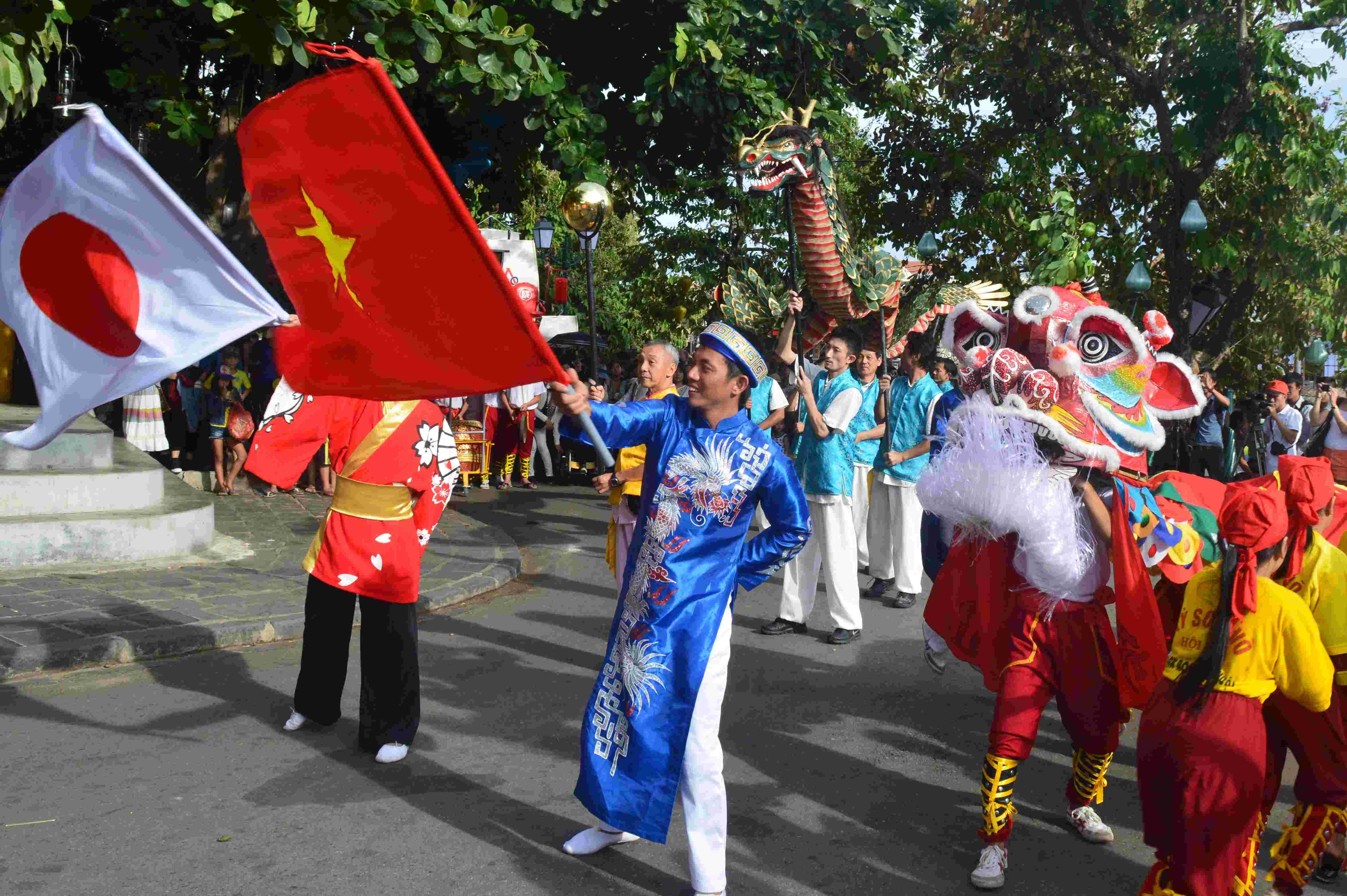 Khung cảnh giao lưu văn hóa Việt - Nhật tại Hội An vào năm ngoái. Ảnh: Q.T