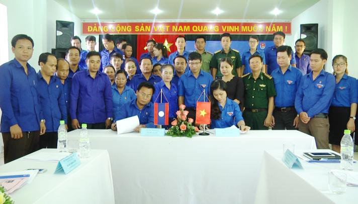 Tỉnh đoàn Quảng Nam và Sê Kông ký kết biên bản ghi nhớ. ẢNH: VINH ANH