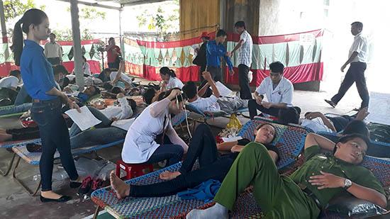 Phong trào hiến máu tình nguyện ở Thăng Bình đã và đang thu hút nhiều người tham gia. Ảnh: TÂN BIÊN