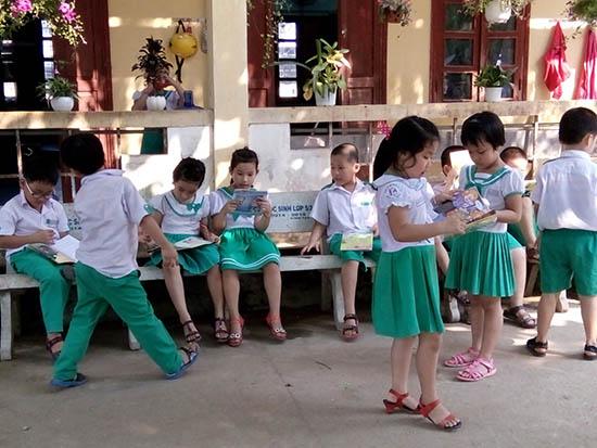 Theo chương trình giáo dục phổ thông tổng thể mới được thông qua, học sinh tiểu học sẽ học ít tiết hơn. (ảnh minh họa). ảnh: C.N