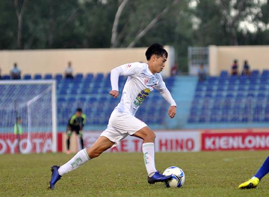 Ghi bàn duy nhất trong trận gặp các ngôi sao K-League cuối tuần qua, Văn Toàn đã được giải tỏa áp lực sau thời gian dài tịt ngòi. Ảnh: T.VY