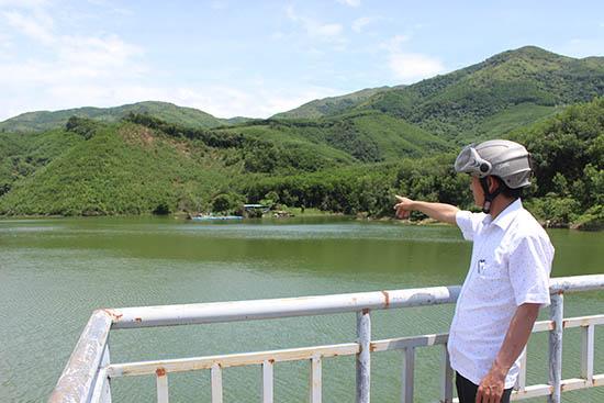 Vẻ đẹp hoang sơ của hồ An Tây sẽ khiến du khách thích thú khi đặt chân đến đây.
