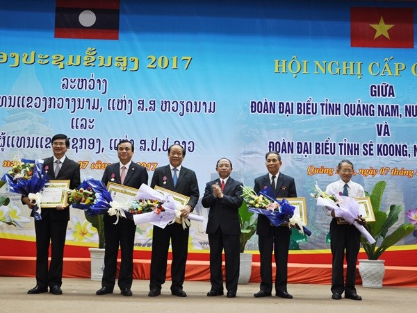 Isala Orders were awarded to Quang Nam leaders