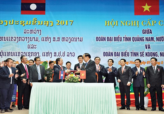 The Memorandum of Understanding on cooperation between Quang Nam and Sekong provinces was signed.