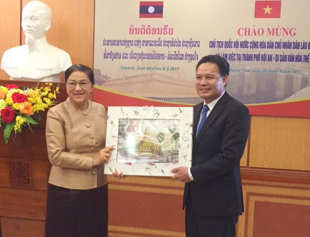 President of National Assembly of Laos (left) and Vice Chairman Thanh