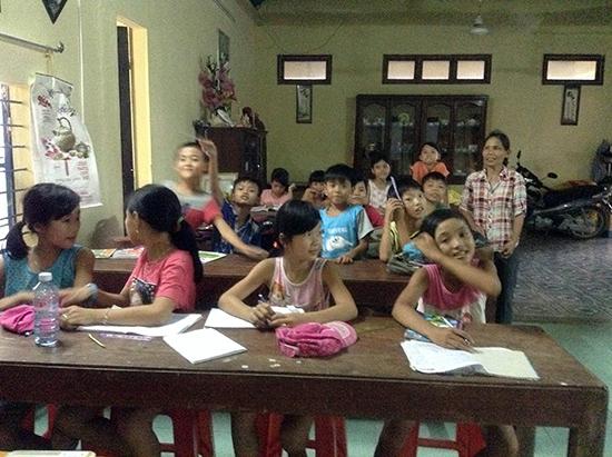 Một nhóm học trong chùa Bồng Lai được tổ chức 2 tháng mùa hè vừa qua.