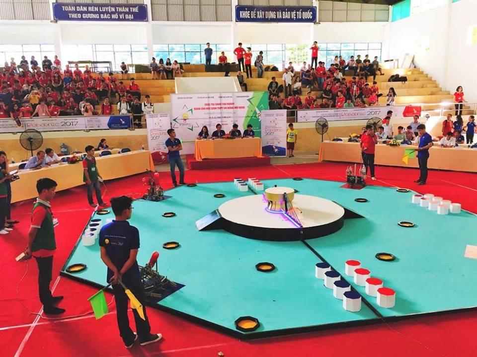 Một trận đấu diễn ra trong ngày 18.8 của Robodnic Đà Nẵng 2017. Ảnh: CTV
